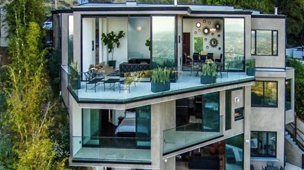 YouTuber de Minecraft compra mansión por 4,5 millones de dólares.