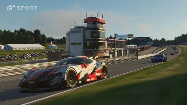 Gran Turismo Sport se retrasa hasta el 2017