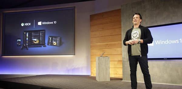 Phil Spencer cree que Xbox no compite con PC, pero PlayStation sí